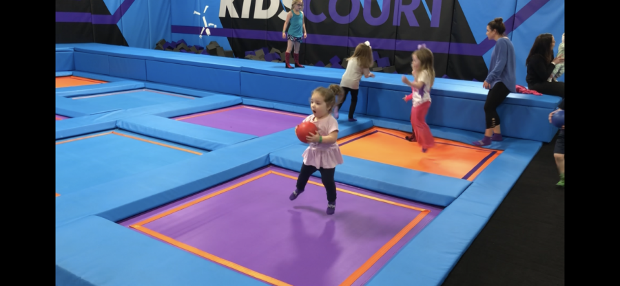 The+kids+zone+of+Altitude+offers+a+safe+space+for+children+under+the+age+of+six.